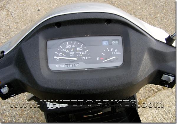 Suzuki AN125 clocks