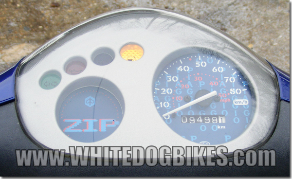 zip50 clock 600x368 piaggio zip 50 cat specs and info whitedogbikes blog piaggio zip 50 2t wiring diagram at crackthecode.co