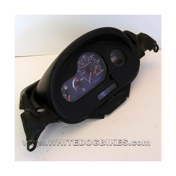 2001 peugeot elyseo 125 clocks white dog motorcycle. Black Bedroom Furniture Sets. Home Design Ideas